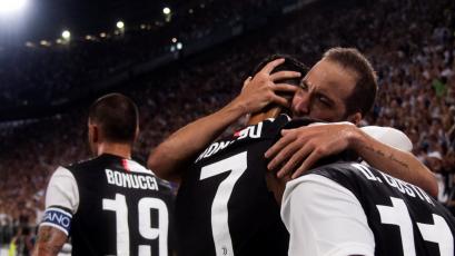 Juventus superó 4-3 al Napoli con goles de Cristiano Ronaldo e Higuaín