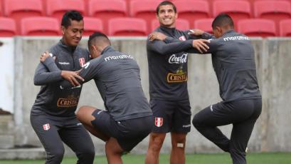Selección Peruana sigue fortaleciéndose para enfrentar mañana a Chile