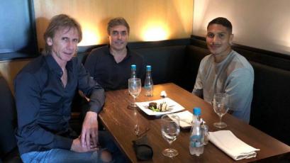 Ricardo Gareca y Néstor Bonillo se reunieron con Paolo Guerrero