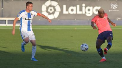 Luis Advíncula jugó los 90' en la victoria del Rayo Vallecano sobre Leganés en partido amistoso