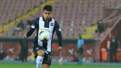 Jairo Concha remató como crack, pero el palo le negó un tremendo golazo en el Alianza Lima ante Universitario (VIDEO)