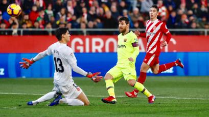 Barcelona supera al Girona con goles de Messi y Semedo