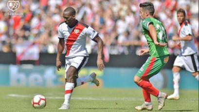 Con Luis Advíncula: Rayo Vallecano cayó goleado 5-1 ante Alavés