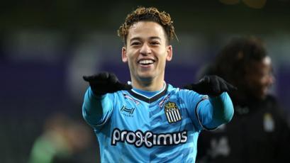 Cristian Benavente anotó en la derrota del Sporting Charleloi