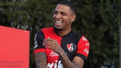 Alexi Gómez fue convocado por el nuevo técnico de Atlas