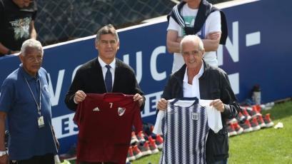 Alianza Lima y River Plate intercambiaron camisetas durante el entrenamiento en Matute
