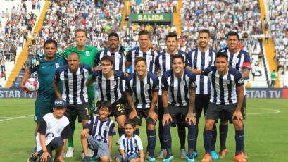 Alianza Lima y Colo Colo realizaron minuto de silencio en la Noche Alba