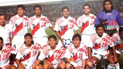 Un día como hoy de 1995, Perú goléo 6-0 a Chile en Lima