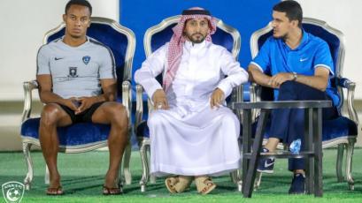 André Carrillo se reincorporó al Al Hilal con molestias