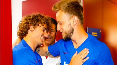 Antoine Griezmann tuvo emotiva bienvenida de los jugadores del Barcelona (VIDEO)