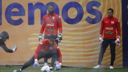 ¡A quemarropa! Arqueros de la Selección Peruana fueron sometidos a exigente trabajo en la Videna (VIDEO)