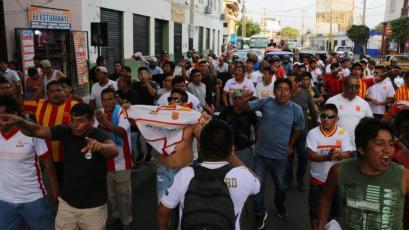 Atlético Grau es de Primera: hinchas festejaron el ascenso con caravana en Piura