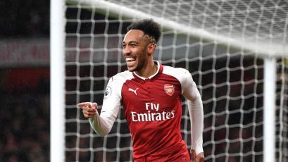 Arsenal golea en el debut de Pierre-Emerick Aubameyang