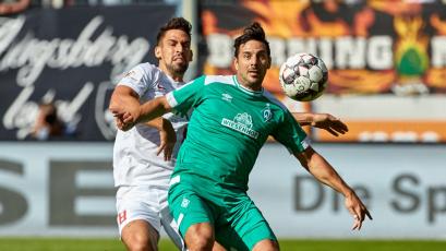 Claudio Pizarro fue titular en la victoria del Werder Bremen