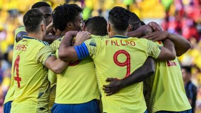 Colombia goleó a Panamá en Bogotá antes de visitar a Perú (3-0)