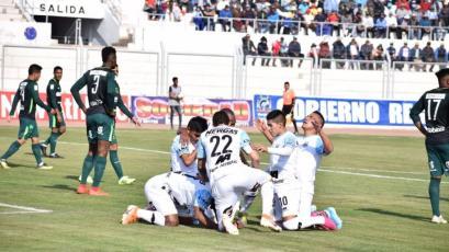 Binacional venció 2-0 a Pirata FC en el debut de Roberto Mosquera y avanza en el Torneo Clausura