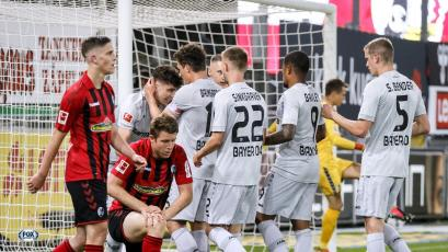 Bundesliga: Kai Havertz ayuda al Leverkusen a sumar en casa de Friburgo (VIDEO)