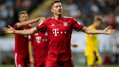 Bundesliga: Robert Lewandowski igualó el récord de Claudio Pizarro con 195 goles (VIDEO)