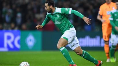 Claudio Pizarro vio acción en amistoso del Werder Bremen