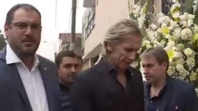 Ricardo Gareca asistió al velorio de Juan Pablo Vergara (VIDEO)