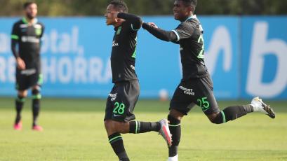 Alianza Lima consiguió la primera victoria con Mario Salas