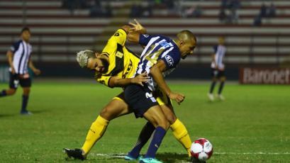 Alianza Lima igualó con Cantolao y se alejó de Sporting Cristal
