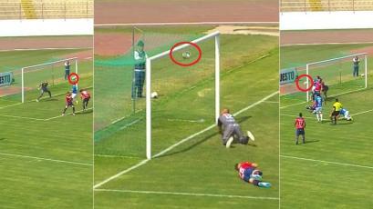 Mannucci vs Comercio: el extraño remate que chocó en el palo y en el travesaño, pero no fue gol (VIDEO)