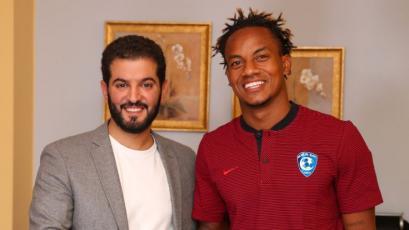 OFICIAL: André Carrillo seguirá jugando en el Al Hilal del fútbol árabe