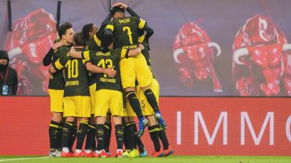 Borussia Dortmund supera al RB Leipzig por la mínima y sigue en lo más alto