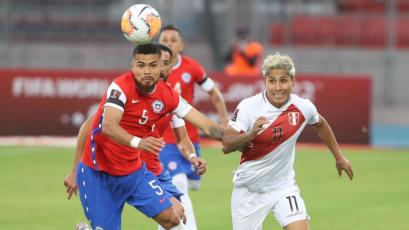 Chile vs Perú: Raúl Rudíaz dejó pasar una clara ocasión de gol que era el descuento (VIDEO)