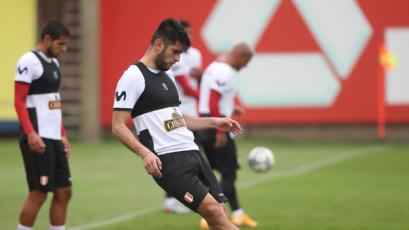 Selección Peruana: Carlos Zambrano y Luis Abram se incorporaron a los entrenamientos