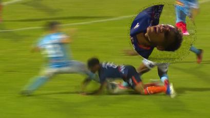 César Vallejo vs Sporting Cristal: así fue el terrible choque entre Renzo Revoredo y Arquímedes Figuera (VIDEO)