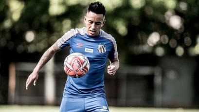 Christian Cueva regresó al Santos y vivió su primera práctica con el nuevo entrenador
