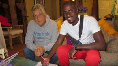 Christian Ramos llegó a Arequipa y estampó su firma por Melgar