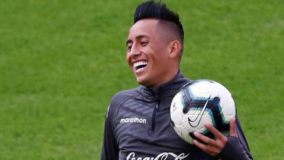 Chile vs Perú: Christian Cueva le hizo espectacular huachón a Luis Abram en el entrenamiento