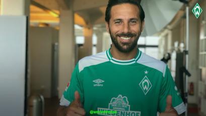 Claudio Pizarro debutó con el Werder Bremen y lograron un empate