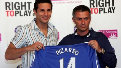 Premier League: un día como hoy el Chelsea de José Mourinho presentaba a Claudio Pizarro