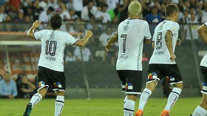 Colo Colo venció a Alianza Lima en la 'Noche Alba'