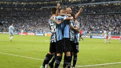 Copa Libertadores: Gremio se deshace de Atlético Tucumán (4-0)