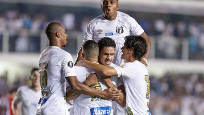 Copa Libertadores: Santos da un gran paso al ganar a Estudiantes (2-0)