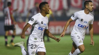 Copa Libertadores: Santos sorprendió a Estudiantes en Argentina