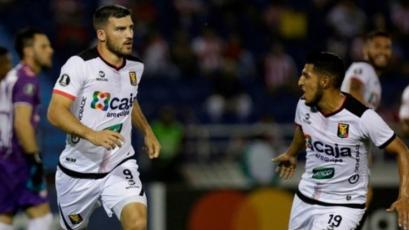 Copa Sudamericana: FBC Melgar visita a la U. Católica de Ecuador (5:15 p.m.)