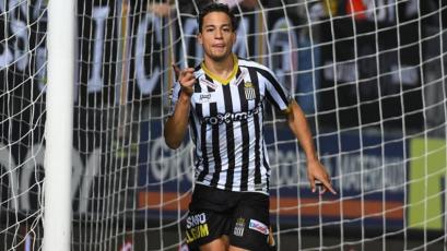 Benavente vuelve a anotar con el Sporting Charleroi
