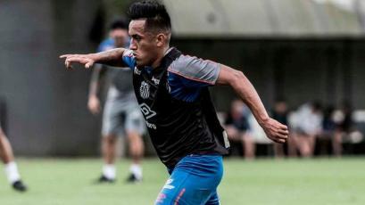 Christian Cueva regresó a Brasil y ya entrena de nuevo con Santos