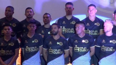 Cusco FC presentó su camiseta y plantel para la Liga1 Movistar y la Copa Sudamericana (VIDEO)