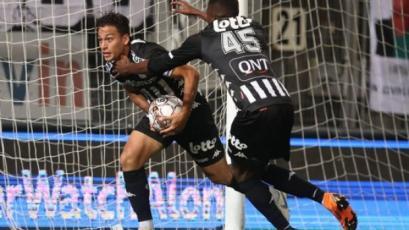 Cristian Benavente anotó en la caída del Charleroi