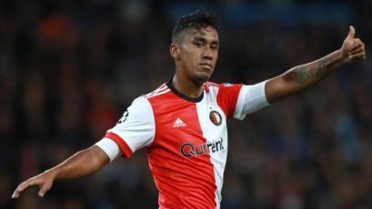 Renato Tapia reapareció con el Feyenoord después de tres meses