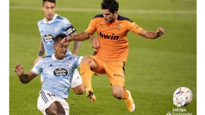Renato Tapia se retiró con molestias en la victoria del Celta ante el Valencia por LaLiga