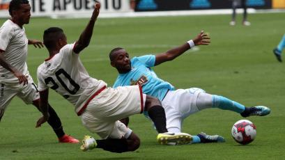 Universitario y Sporting Cristal empatan por cuarta vez consecutiva