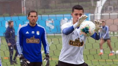 Renato Solís se alista para atajar en el Universitario vs. Cristal: